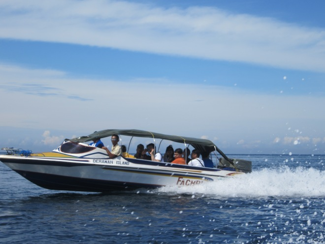 The speedboat going to travel to other islands